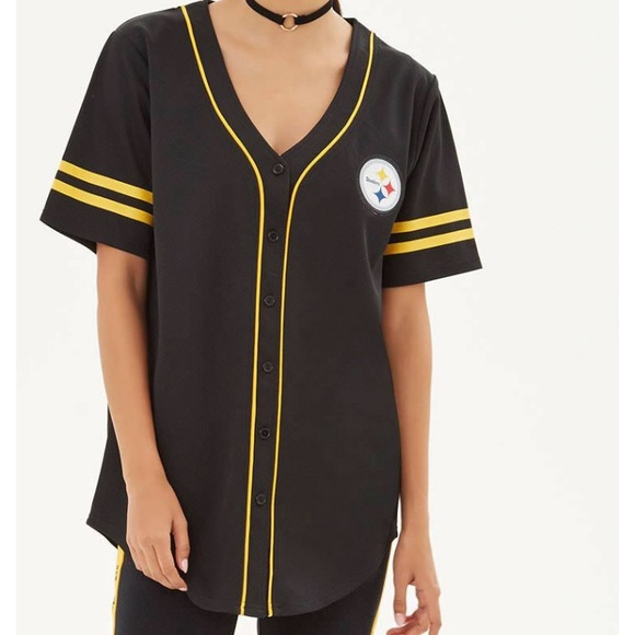 low priced 6e751 fef1f Forever 21 Steelers baseball style shirt